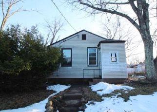 Casa en ejecución hipotecaria in Meriden, CT, 06451,  GOFFE ST ID: F4113854