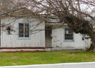 Casa en ejecución hipotecaria in Sylmar, CA, 91342,  AZTEC ST ID: F4114228