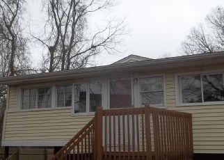 Casa en ejecución hipotecaria in Warwick, RI, 02889,  PEQUOT AVE ID: F4114971