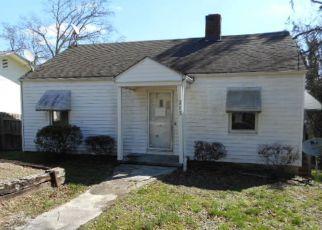 Casa en ejecución hipotecaria in Clinton, TN, 37716,  PINE ST ID: F4115271