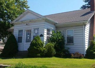 Casa en ejecución hipotecaria in Westerly, RI, 02891,  WESTMINSTER ST ID: F4118665