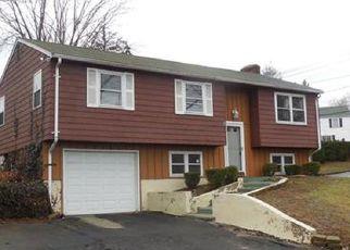 Casa en ejecución hipotecaria in East Hartford, CT, 06108,  CUMMINGS ST ID: F4118669