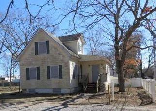 Casa en ejecución hipotecaria in Bay Shore, NY, 11706,  HECKSCHER AVE ID: F4118677