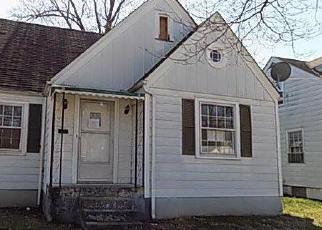 Casa en ejecución hipotecaria in Louisville, KY, 40215,  W ASHLAND AVE ID: F4119055
