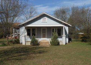 Casa en ejecución hipotecaria in Henderson, TX, 75652,  MILLVILLE DR ID: F4119812