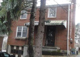 Casa en ejecución hipotecaria in Pittsburgh, PA, 15221,  DECATUR AVE ID: F4120124