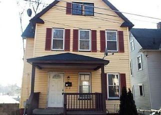 Casa en ejecución hipotecaria in Middletown, NY, 10940,  LINDEN AVE ID: F4120132