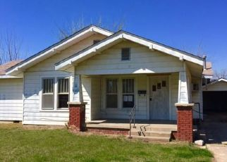 Casa en ejecución hipotecaria in Holdenville, OK, 74848,  S BURGESS ST ID: F4120283