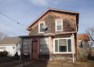 Casa en ejecución hipotecaria in New Bedford, MA, 02740,  SUMMER ST ID: F4120795