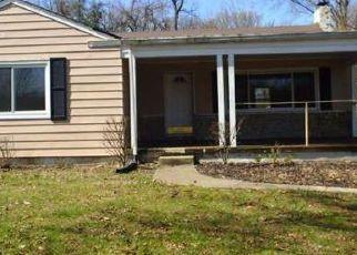 Casa en ejecución hipotecaria in Cincinnati, OH, 45245,  FULTON GROVE RD ID: F4120964
