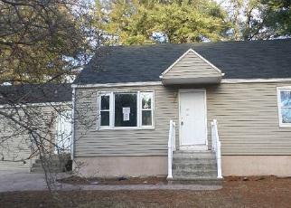 Casa en ejecución hipotecaria in Methuen, MA, 01844,  COLLEGE LN ID: F4121747