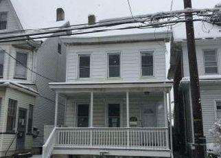 Casa en ejecución hipotecaria in Easton, PA, 18042,  W BERWICK ST ID: F4121943