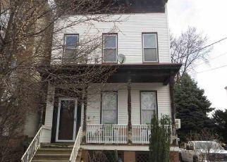 Casa en ejecución hipotecaria in Jersey City, NJ, 07305,  LEMBECK AVE ID: F4122865