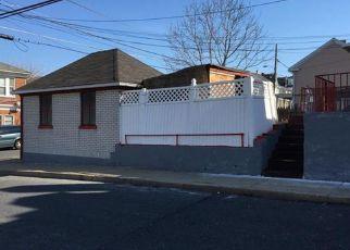 Casa en ejecución hipotecaria in Easton, PA, 18042,  W BERWICK ST ID: F4123189