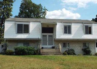 Casa en ejecución hipotecaria in New Windsor, NY, 12553,  GLENDALE DR ID: F4123419