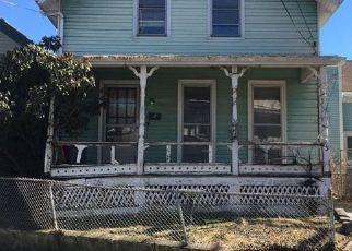 Casa en ejecución hipotecaria in Newport Condado, RI ID: F4123434