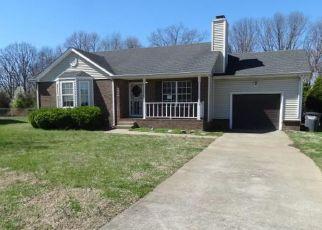 Foreclosure Home in Clarksville, TN, 37042,  OAK LAWN DR ID: F4125245