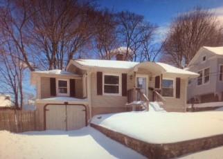Casa en ejecución hipotecaria in Meriden, CT, 06451,  COLUMBUS AVE ID: F4125616