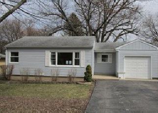 Casa en ejecución hipotecaria in Mchenry, IL, 60050,  KNOLL AVE ID: F4125784