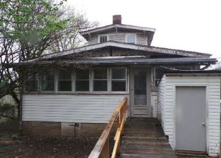 Casa en ejecución hipotecaria in Carthage, MO, 64836,  E CENTRAL AVE ID: F4125953