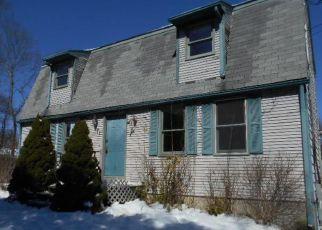 Casa en ejecución hipotecaria in West Warwick, RI, 02893,  HARRIS AVE ID: F4128220