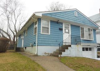 Casa en ejecución hipotecaria in Cranston, RI, 02910,  APPLETON ST ID: F4128232
