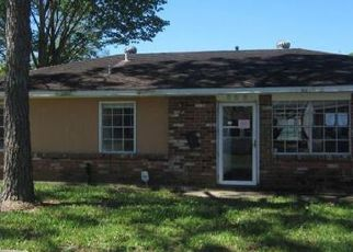 Casa en ejecución hipotecaria in Gretna, LA, 70056,  HOLMES BLVD ID: F4128997