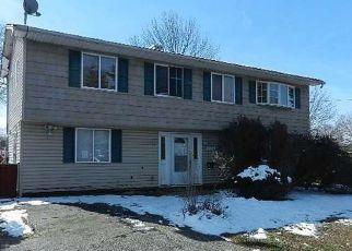 Casa en ejecución hipotecaria in Central Islip, NY, 11722,  MOTOR PKWY ID: F4129512