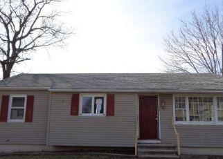Casa en ejecución hipotecaria in Waterbury, CT, 06706,  HORSESHOE DR ID: F4129876