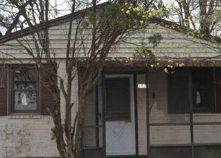 Casa en ejecución hipotecaria in Capitol Heights, MD, 20743,  GLACIER AVE ID: F4130196