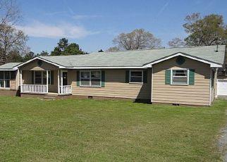 Casa en ejecución hipotecaria in Fort Mitchell, AL, 36856,  MOORE RD ID: F4130486