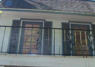 Casa en ejecución hipotecaria in Tampa, FL, 33613,  BURGUNDY SQ ID: F4130569
