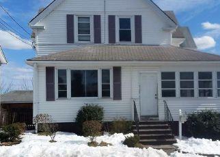Casa en ejecución hipotecaria in East Providence, RI, 02914,  9TH ST ID: F4130843