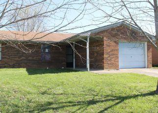 Casa en ejecución hipotecaria in Winchester, KY, 40391,  VAUGHT RD ID: F4132338