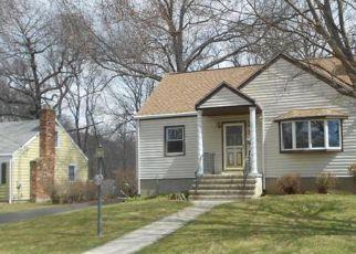 Casa en ejecución hipotecaria in Milford, CT, 06461,  HEMLOCK DR ID: F4134293