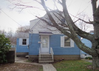 Casa en ejecución hipotecaria in Waterbury, CT, 06705,  CAPITOL AVE ID: F4135507
