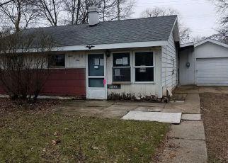 Casa en ejecución hipotecaria in Waterford, MI, 48327,  CRESCENT LAKE RD ID: F4136634