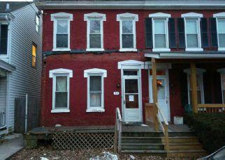Casa en ejecución hipotecaria in Pottstown, PA, 19464,  W 3RD ST ID: F4136875