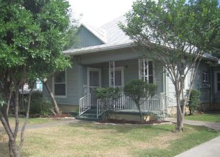 Casa en ejecución hipotecaria in San Antonio, TX, 78207,  RUIZ ST ID: F4136981