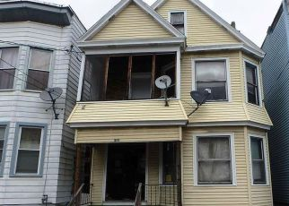 Casa en ejecución hipotecaria in Albany, NY, 12206,  2ND ST ID: F4137691