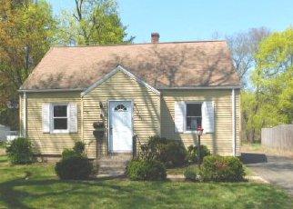 Casa en ejecución hipotecaria in East Hartford, CT, 06108,  TOLLAND ST ID: F4138355