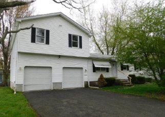 Casa en ejecución hipotecaria in Holyoke, MA, 01040,  KNOLLWOOD CIR ID: F4138498