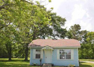 Casa en ejecución hipotecaria in Groves, TX, 77619,  25TH ST ID: F4138721