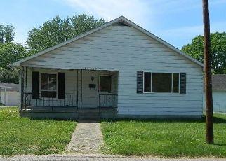 Casa en ejecución hipotecaria in Ashland, KY, 41101,  MOUND ST ID: F4139189