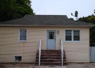Casa en ejecución hipotecaria in Brentwood, NY, 11717,  AMERICAN BLVD ID: F4140650