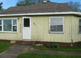 Casa en ejecución hipotecaria in Christian Condado, IL ID: F4143945