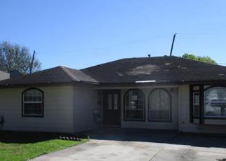 Casa en ejecución hipotecaria in Houston, TX, 77017,  LOPER ST ID: F4144516