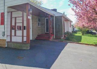 Casa en ejecución hipotecaria in Tiverton, RI, 02878,  BRACKETT AVE ID: F4145952