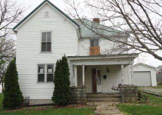 Casa en ejecución hipotecaria in Winchester, KY, 40391,  COLLEGE ST ID: F4146561