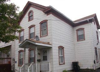 Casa en ejecución hipotecaria in Plainfield, NJ, 07060,  E 2ND ST ID: F4146895